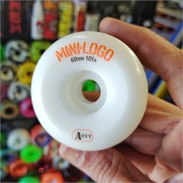 Roda Mini-Logo A-Cut 60mm 101a